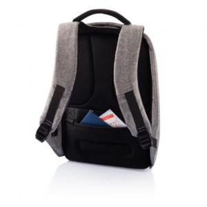 batoh-na-notebook-ktery-nelze-vykrast-bobby-xl-17-xd-design-sedy (2)